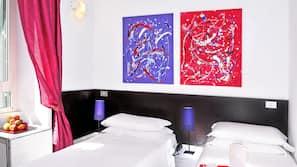 Una cassaforte in camera, con stile personalizzato, una scrivania