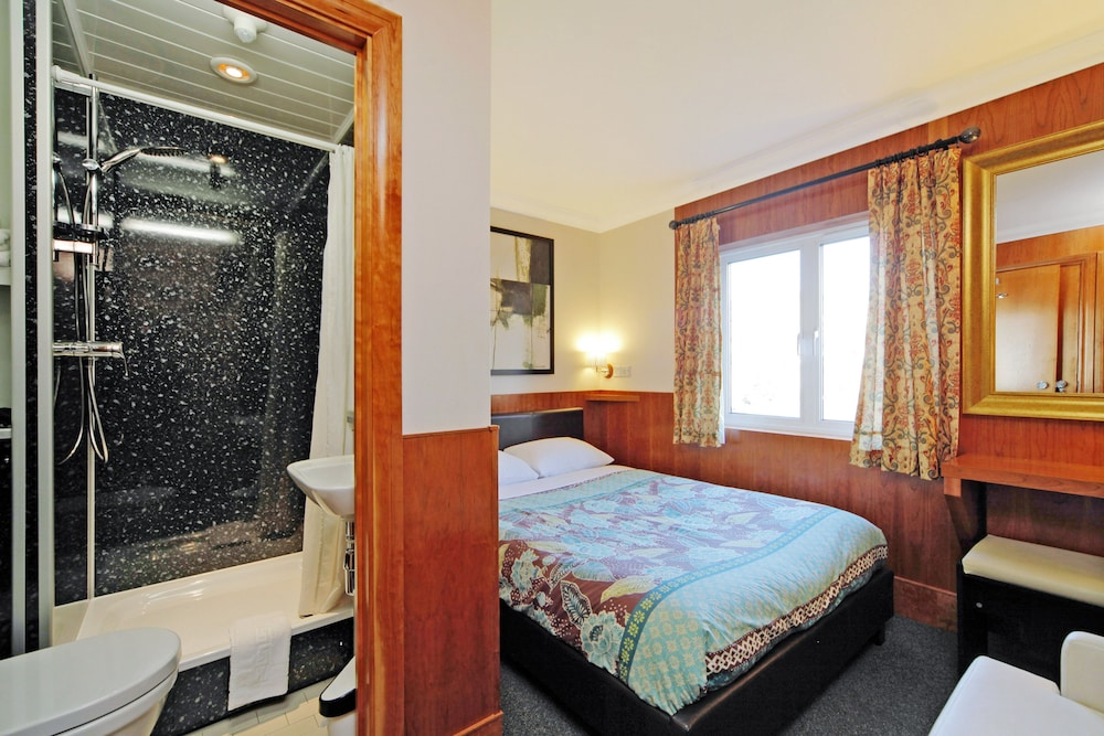 Room, London Visitors Hotel
