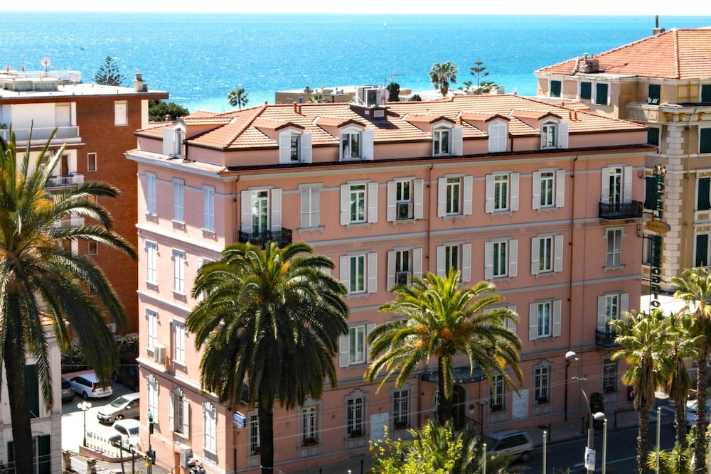 Bel Soggiorno, Sanremo: 2018 Reviews & Hotel Booking | Expedia.co.in
