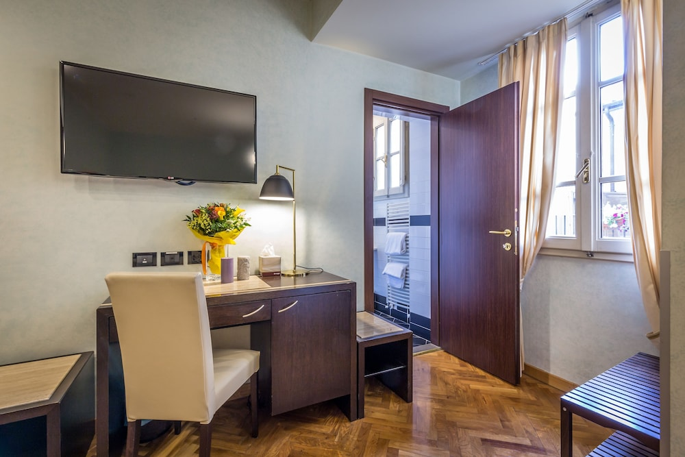 In-Room Business Center, Hotel Duomo