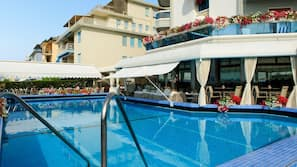Outdoor pool, a rooftop pool