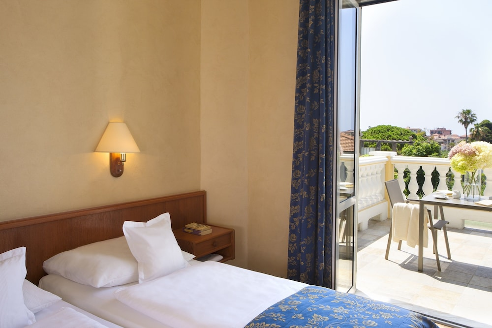 villa elisa chat rooms Bedroom 1 rental in sorrento, italy check availability or book online compare more than 2,000,000 vacation rentals around the world.