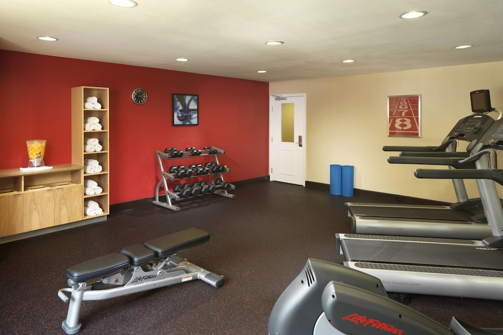 Fitness Facility, TownePlace Suites by Marriott Houston Intercontinental Arpt