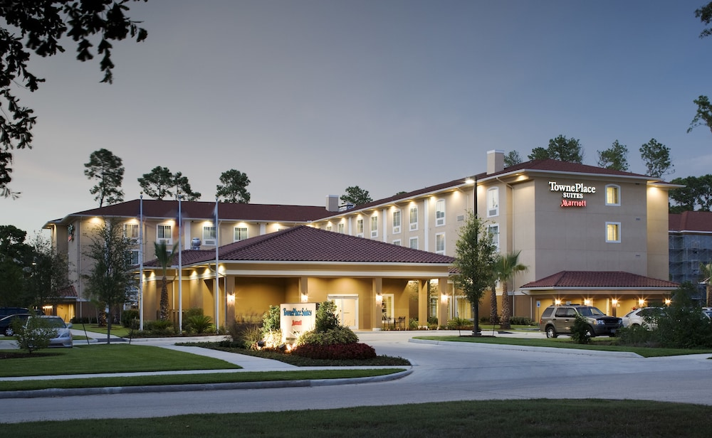Front of Property - Evening/Night, TownePlace Suites by Marriott Houston Intercontinental Arpt