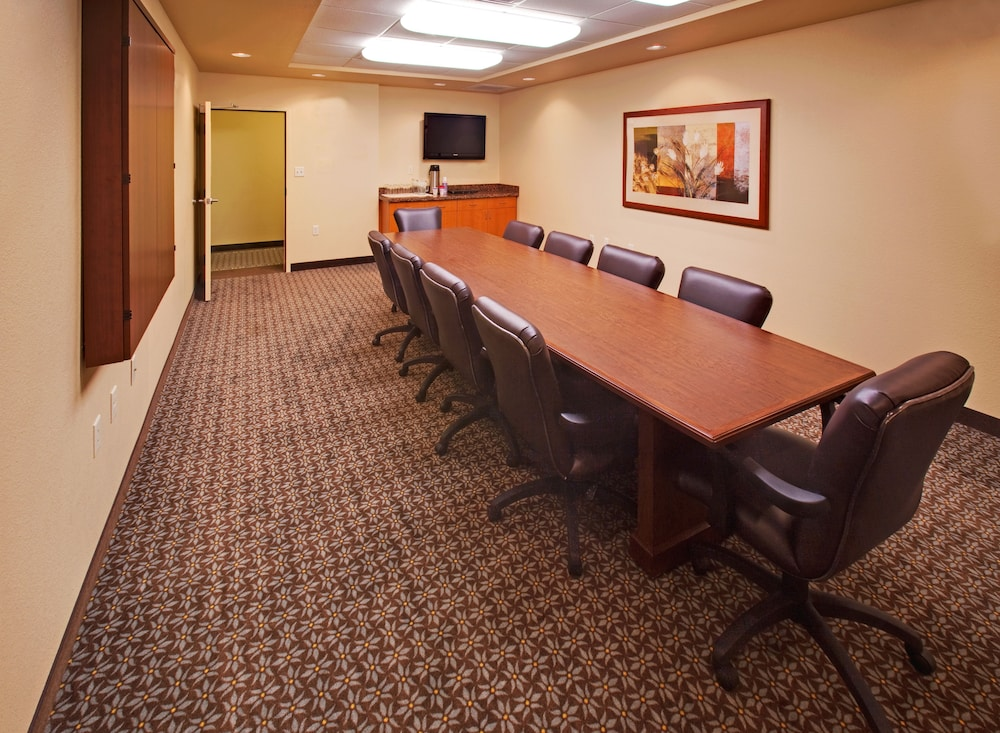 Meeting Facility, Candlewood Suites Bellevue, an IHG Hotel