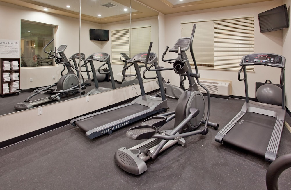 Fitness Facility, Holiday Inn Hotel & Suites Kamloops
