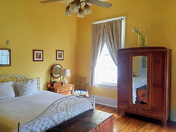 Creole Gardens Guesthouse And Inn: 2018 Pictures, Reviews, Prices U0026 Deals |  Expedia.ca