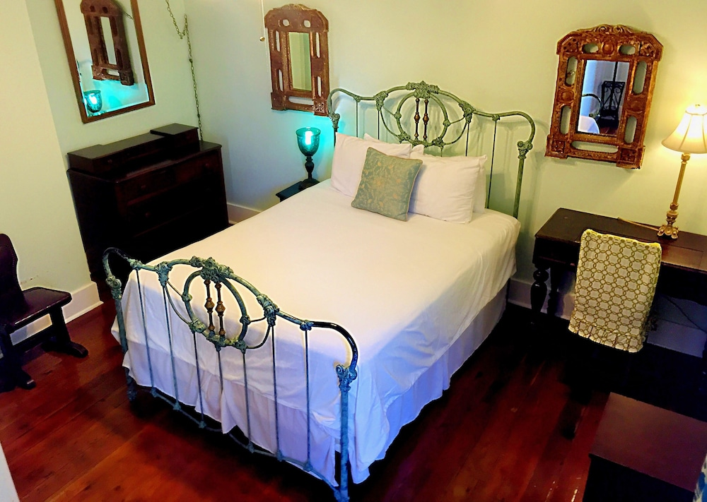 Room, Creole Gardens Guesthouse and Inn