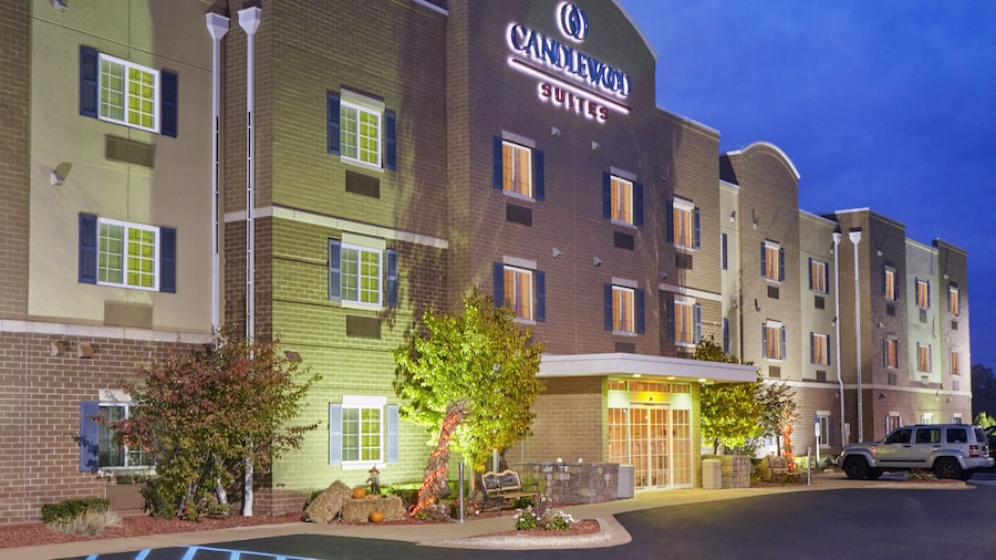 Candlewood Suites Milwaukee Airport, an IHG Hotel