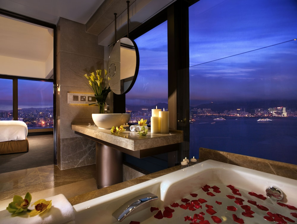 Bathroom, Harbour Grand Hong Kong
