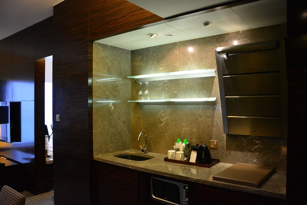 Private Kitchenette, Harbour Grand Hong Kong