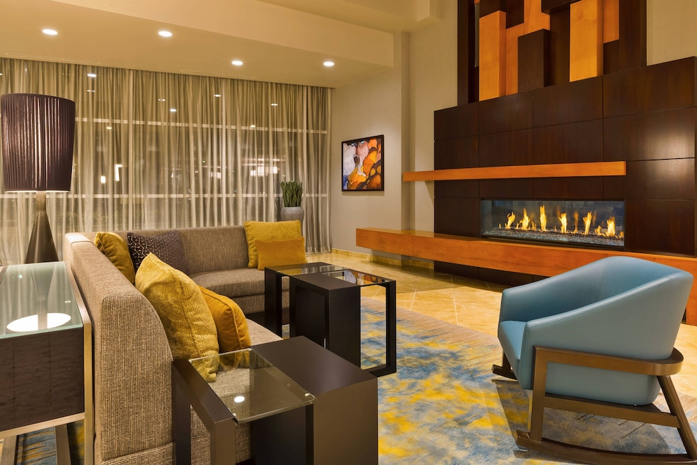 Lobby, Courtyard by Marriott Omaha La Vista