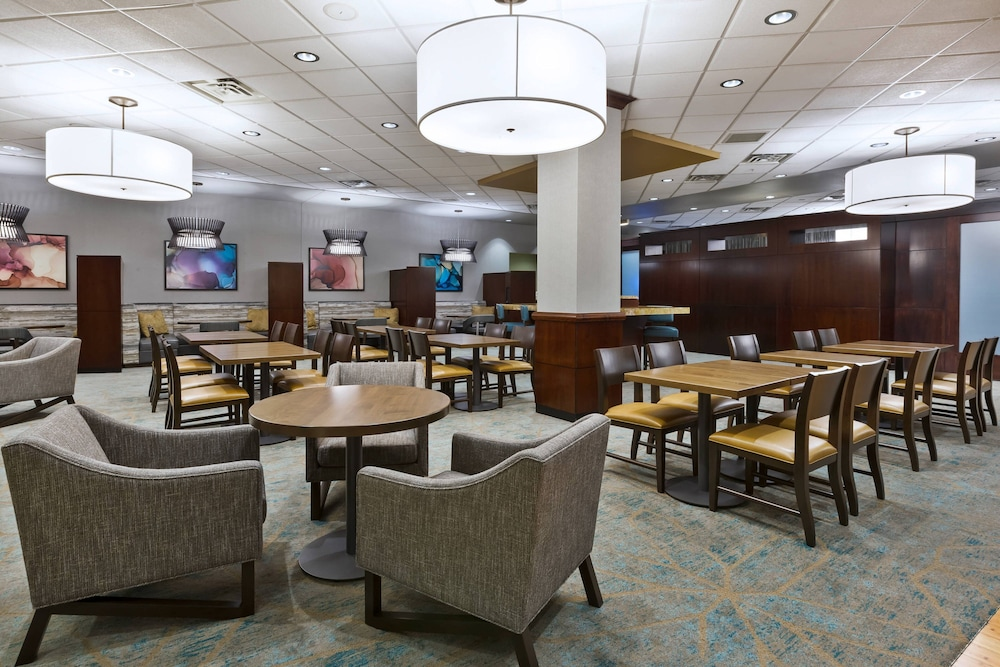 Breakfast Area, Courtyard by Marriott Omaha La Vista