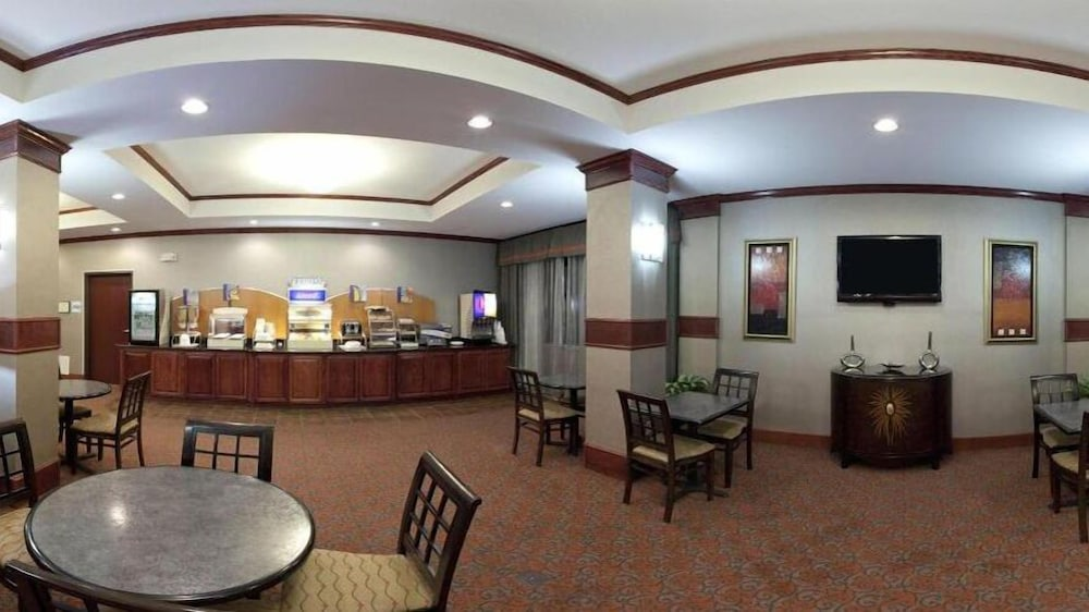 Breakfast Area, Holiday Inn Express Hotel and Suites Fort Stockton, an IHG Hotel