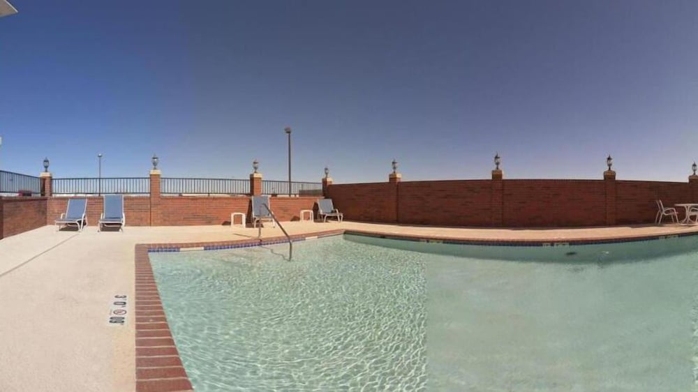 Pool, Holiday Inn Express Hotel and Suites Fort Stockton, an IHG Hotel