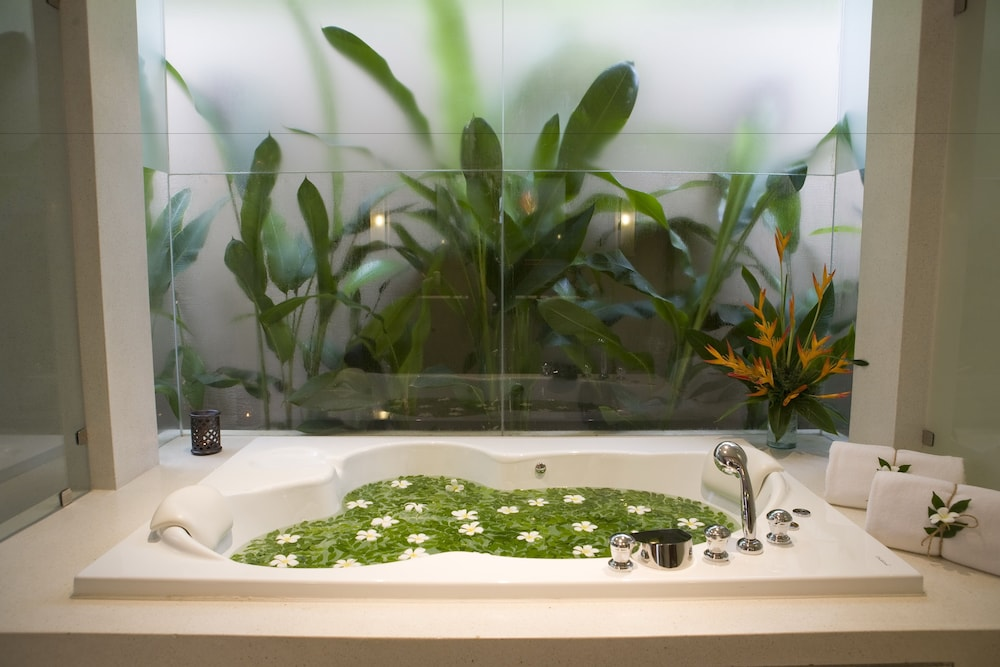 Deep Soaking Bathtub, Villa Zolitude Resort & Spa
