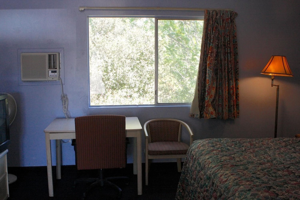 Room, Homestead Motel