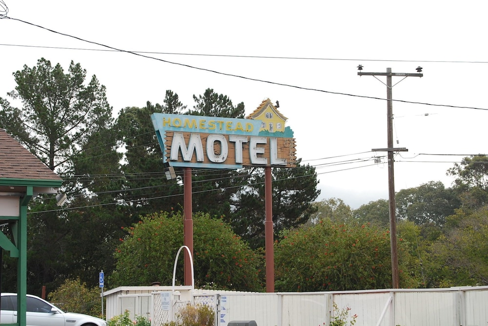 Property Grounds, Homestead Motel