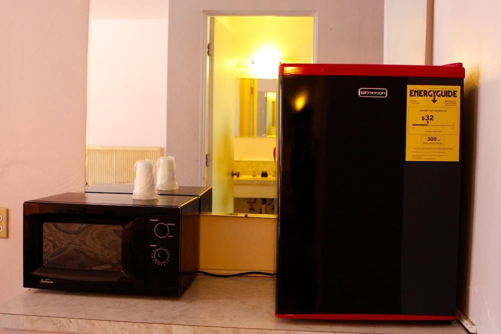 Mini-Refrigerator, Homestead Motel