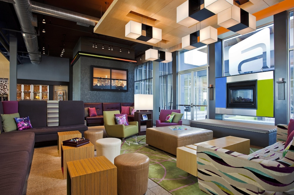 Bar, Aloft Green Bay