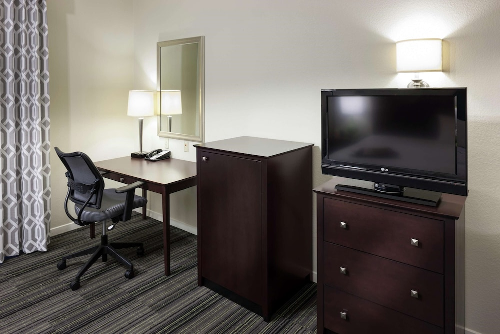 Living Area, Hampton Inn & Suites Phoenix North/Happy Valley