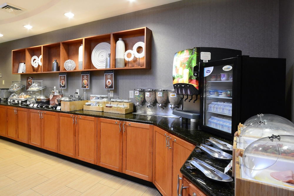 Breakfast buffet, SpringHill Suites by Marriott Lynchburg Airport/University Area
