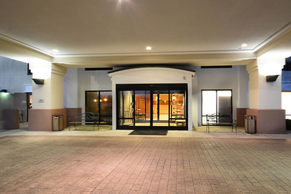 Property Entrance, SpringHill Suites by Marriott Lynchburg Airport/University Area