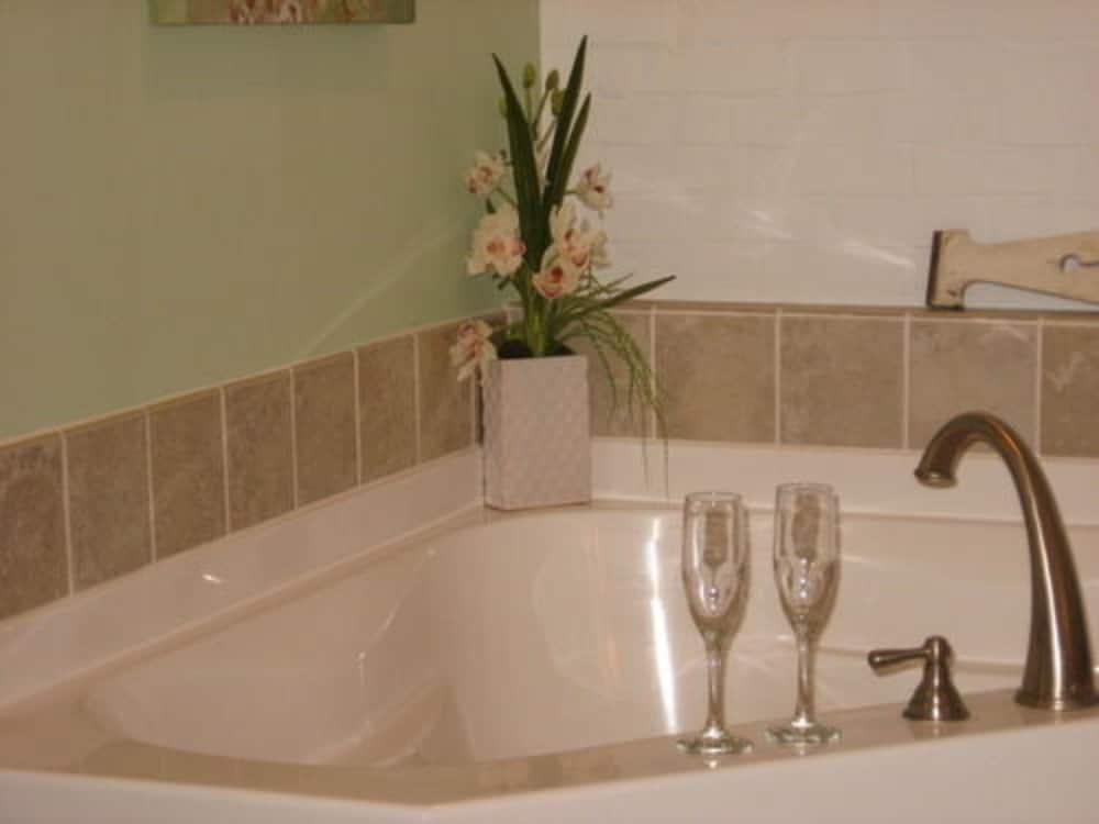Jetted Tub, The Brafferton Inn