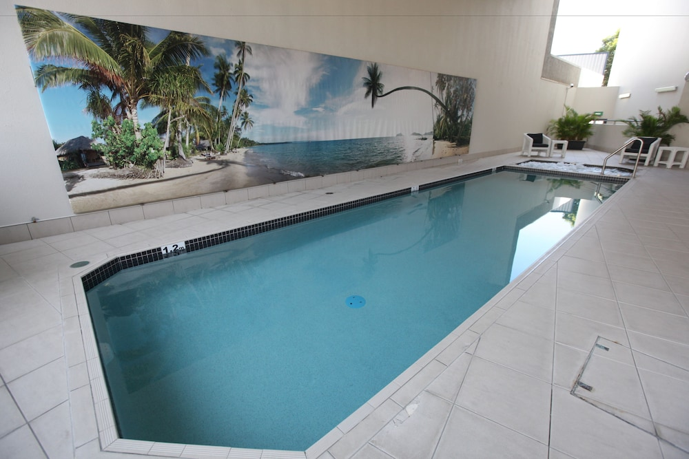 Pool, Tribeca Apartments Brisbane