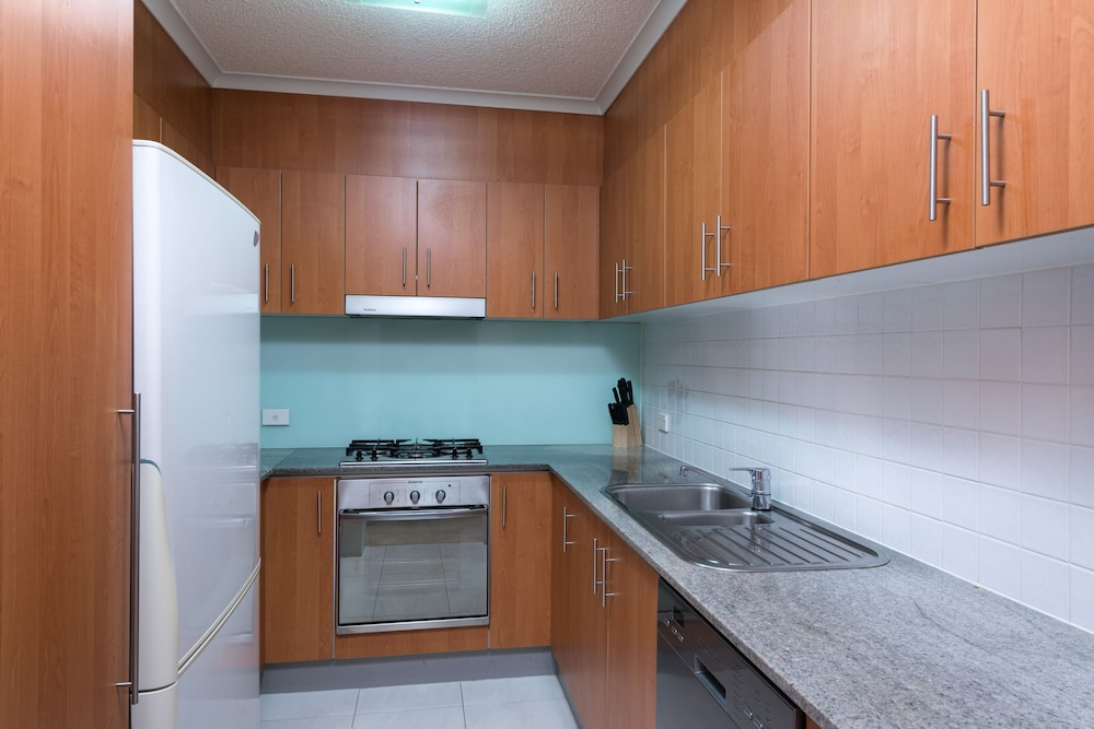 Private Kitchen, Tribeca Apartments Brisbane