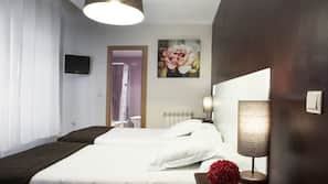 Select Comfort 床墊、書桌、熨斗/熨衫板、免費嬰兒床