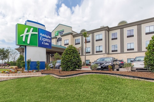 Great Place to stay Holiday Inn Express Hotel & Suites Houston-Alvin near Alvin