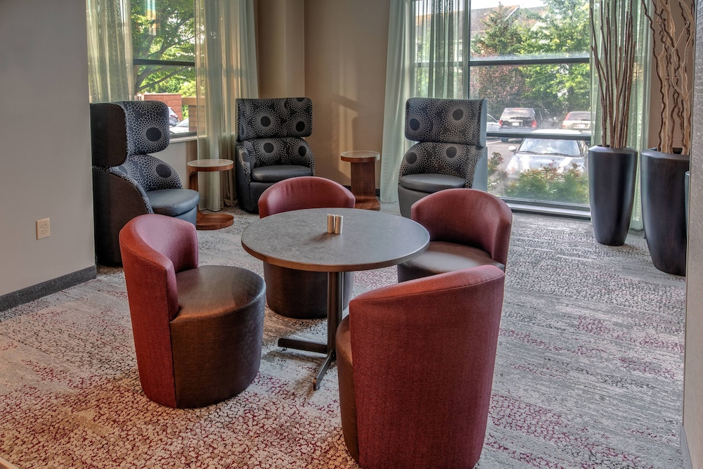 Lobby, Courtyard by Marriott Dulles Airport Herndon