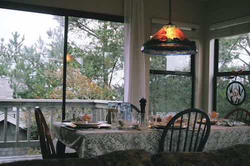 Bed And Breakfast Cambria Find Cheap B B S From 115