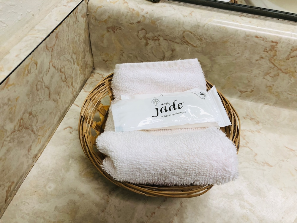 Bathroom Amenities, Ozark Inn & Suites