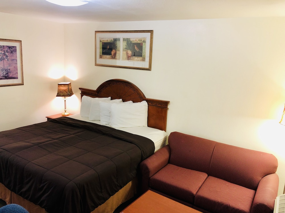 Room, Ozark Inn & Suites