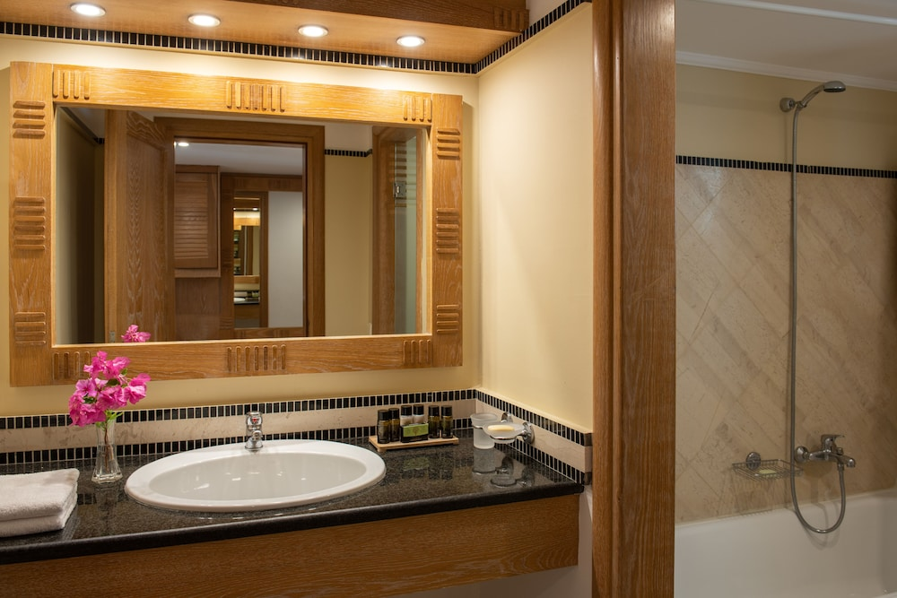 Bathroom, Mitsis Norida Beach Hotel - All Inclusive
