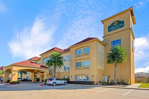 La Quinta Inn & Suites by Wyndham Port Arthur