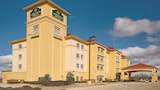La Quinta Inn & Suites Mt. Pleasant - Mount Pleasant Hotels