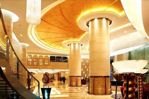 피오니 인터내셔널 호텔