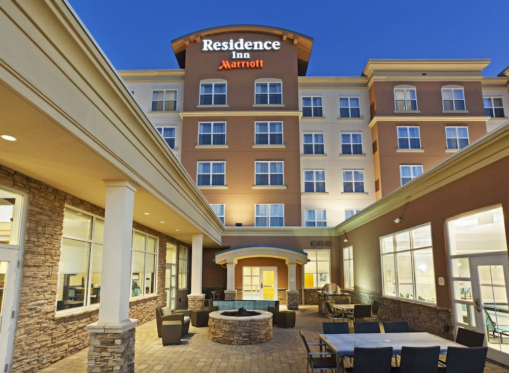 Front of Property - Evening/Night, Residence Inn Marriott Hamilton