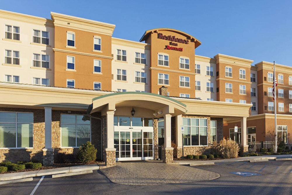 Front of Property, Residence Inn Marriott Hamilton