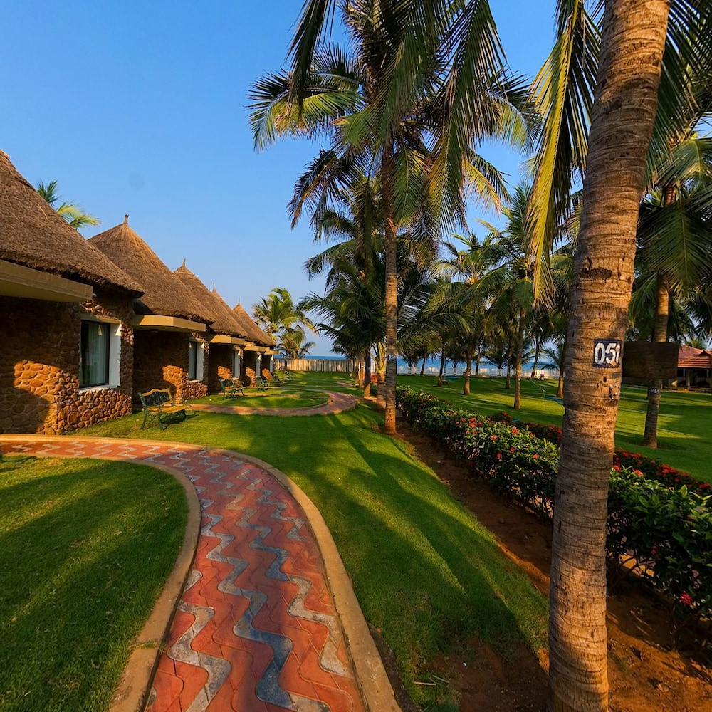 30+ best resorts for day outing places in Chennai. Resorts with swimming pool, Beach, Indoor and Outdoor, Lunch, Hi-Tea, team building activities For more information call. ☎