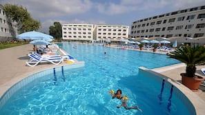 Indoor pool, 4 outdoor pools, pool umbrellas, sun loungers