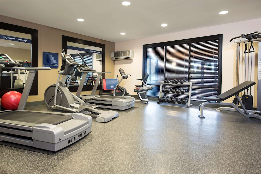 Fitness Facility, Hampton Inn & Suites Crawfordsville