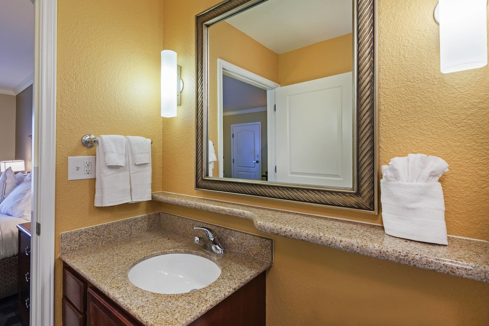 Bathroom, TownePlace Suites by Marriott Odessa