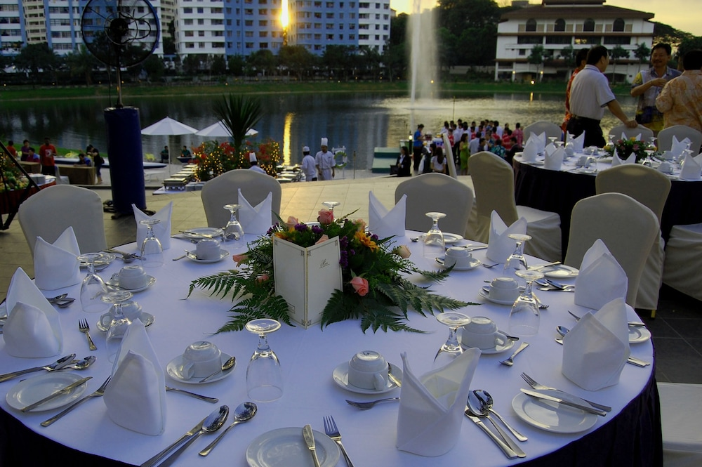 Banquet Hall, Flamingo Hotel by The Lake