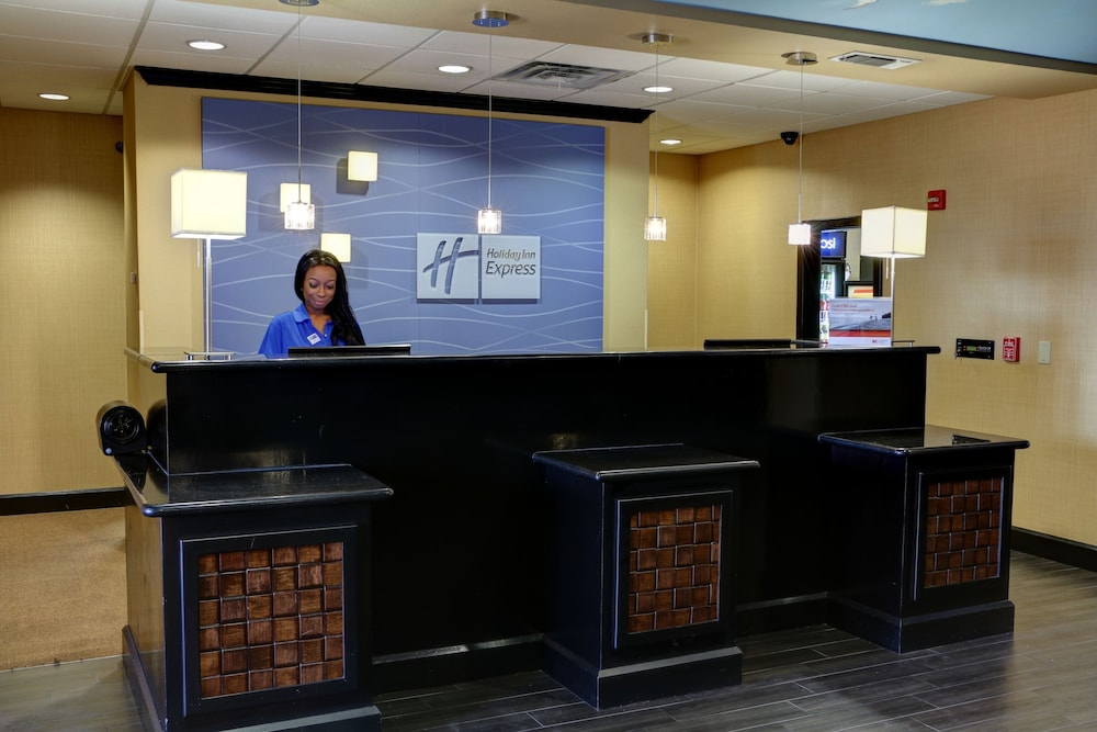 Concierge Desk, Holiday Inn Express Hotel & Suites Texarkana East