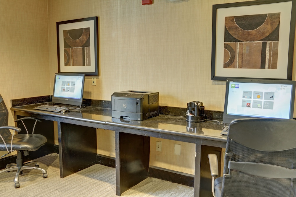 Business Center, Holiday Inn Express Hotel & Suites Texarkana East