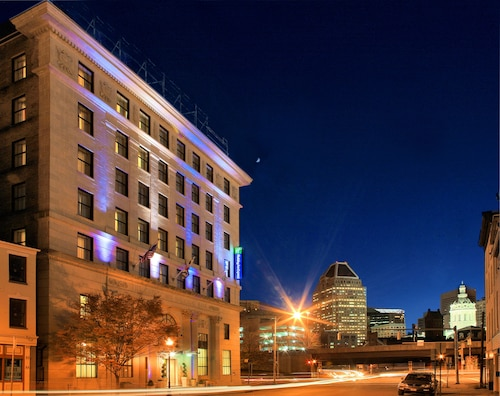 Holiday Inn Express Baltimore Downtown